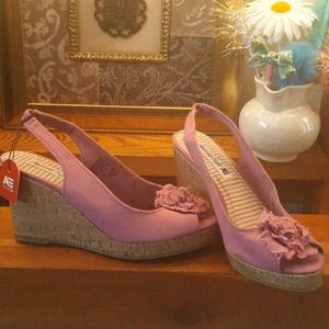 NWT American Eagle light purple wedges, size 8